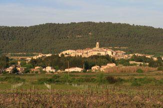 Vue sur le village de Sablet